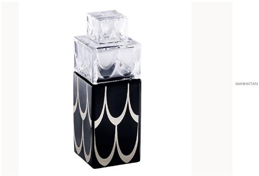 شیشه عطر کریستال شفاف مشکی 11.6   35.6X  سانتی متری منهتن